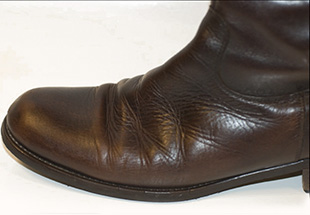 Очистить солевые разводы на обуви